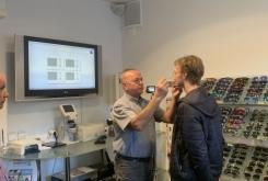Izmera merilnih podatkov za očala  v Optiki Pirc